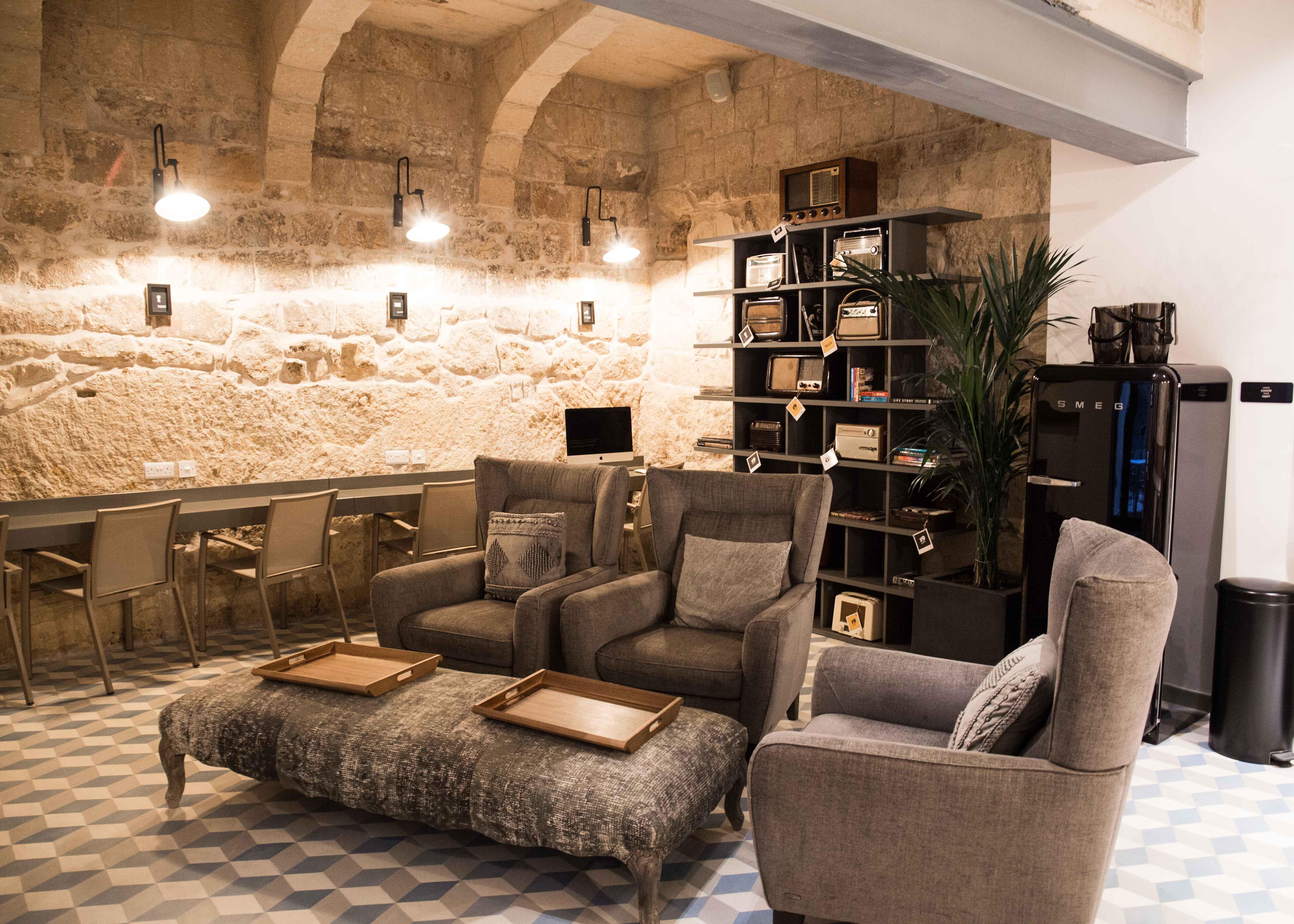 몰타 호텔 로비