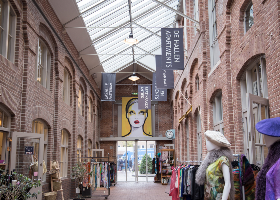 AMSTERDAM NEW HOT SPOT : DE HALLEN/FOOD HALLEN