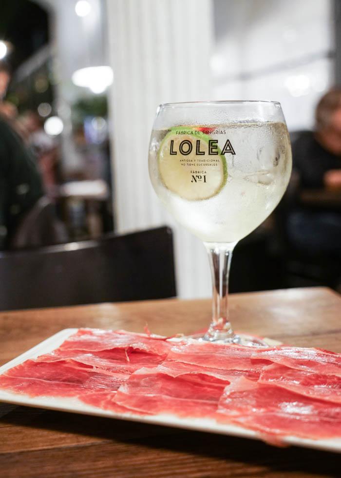 BEST SANGRIA IN BARCELONA : CASA LOLEA