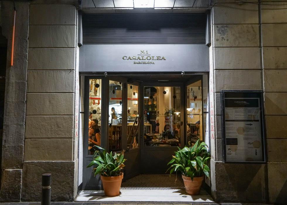 BEST SANGRIA BAR IN BARCELONA : CASA LOLEA