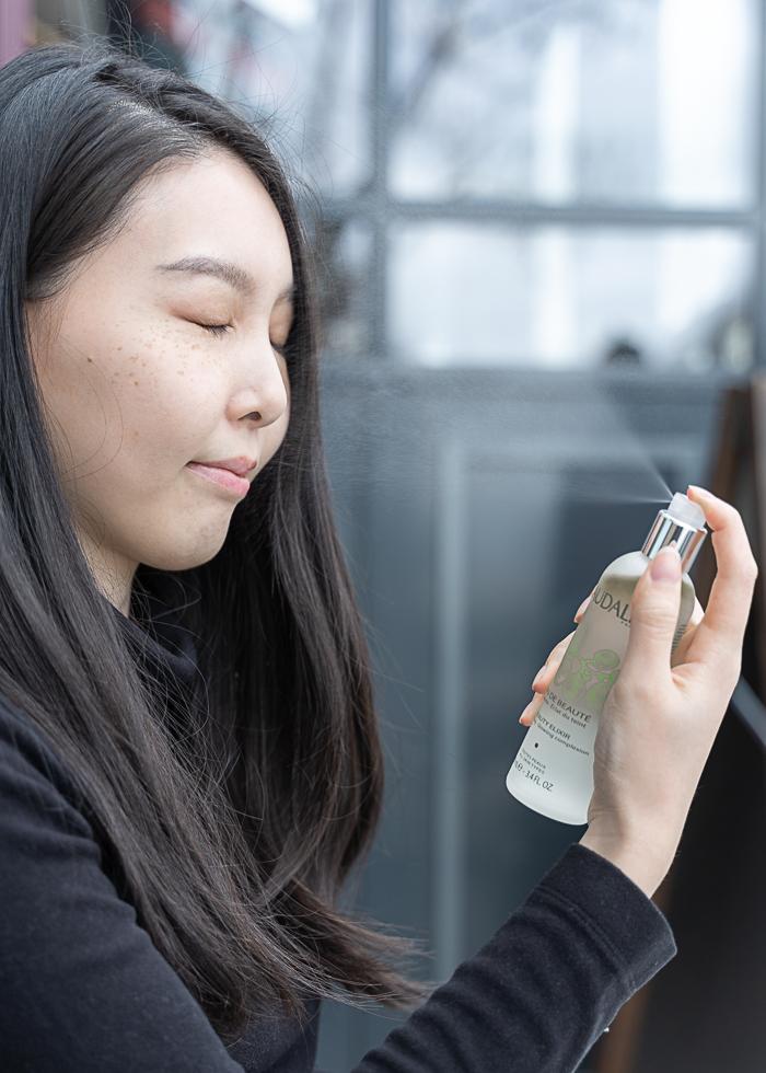 how to use Caudalie Beauty Elixir
