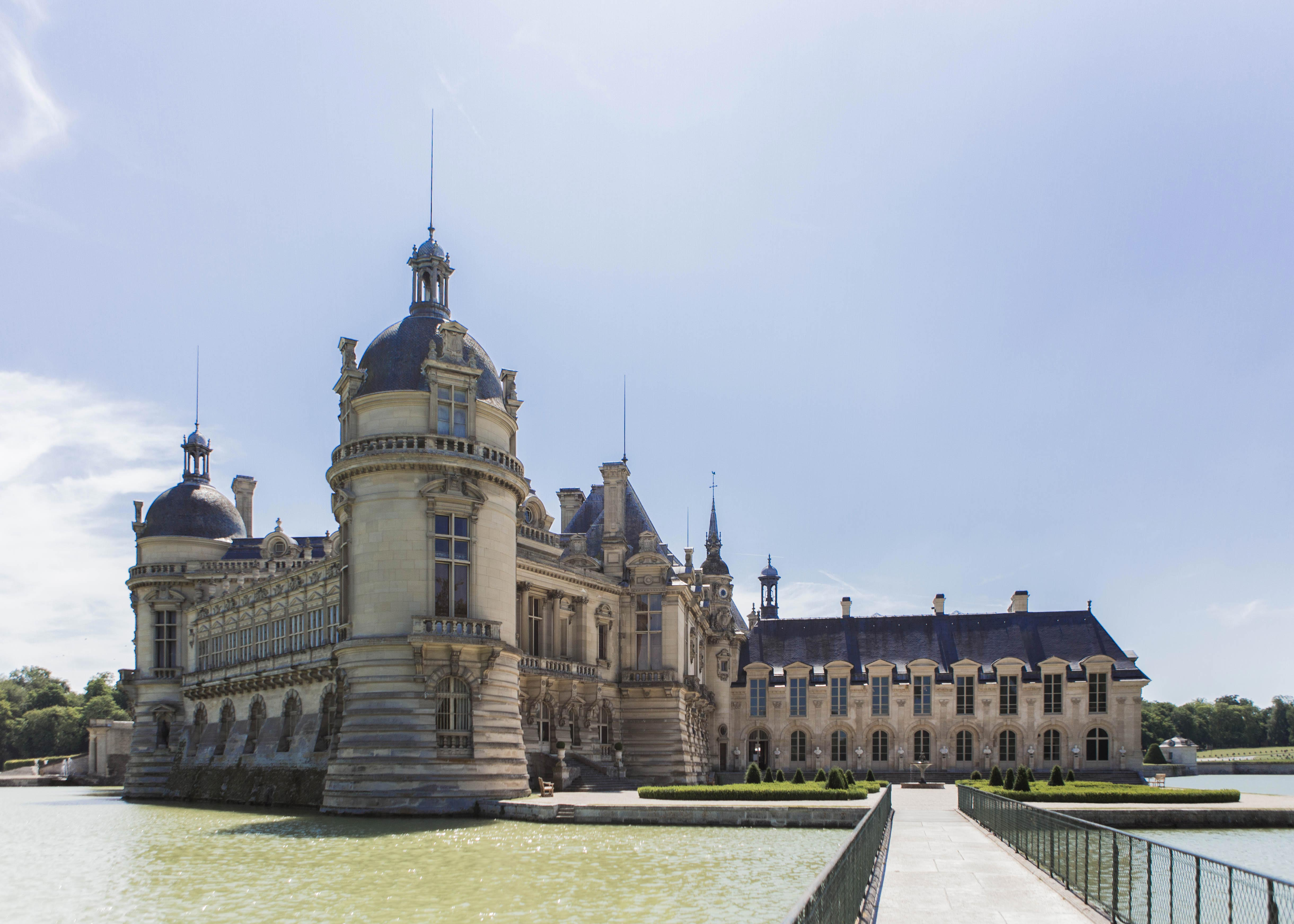 https://www.obonparis.com/uploads/CHATEAU%20DE%20CHANTILLY/Chateau%20de%20Chantilly%20%286%29.jpg