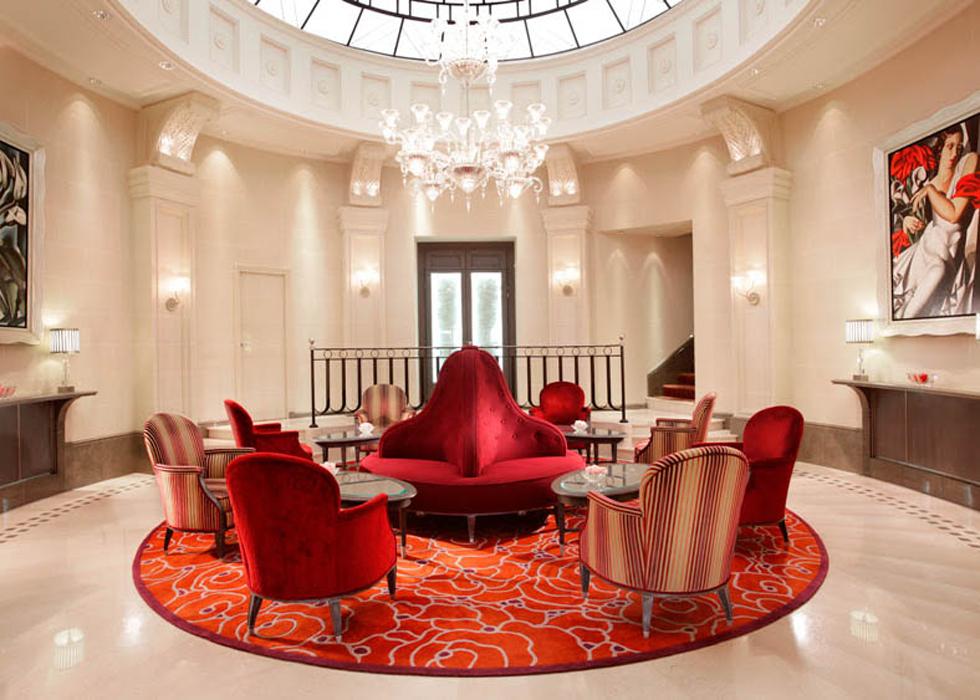 Hotel chateau frontenac champs elysees o 39 bon paris for Chateau hotel paris