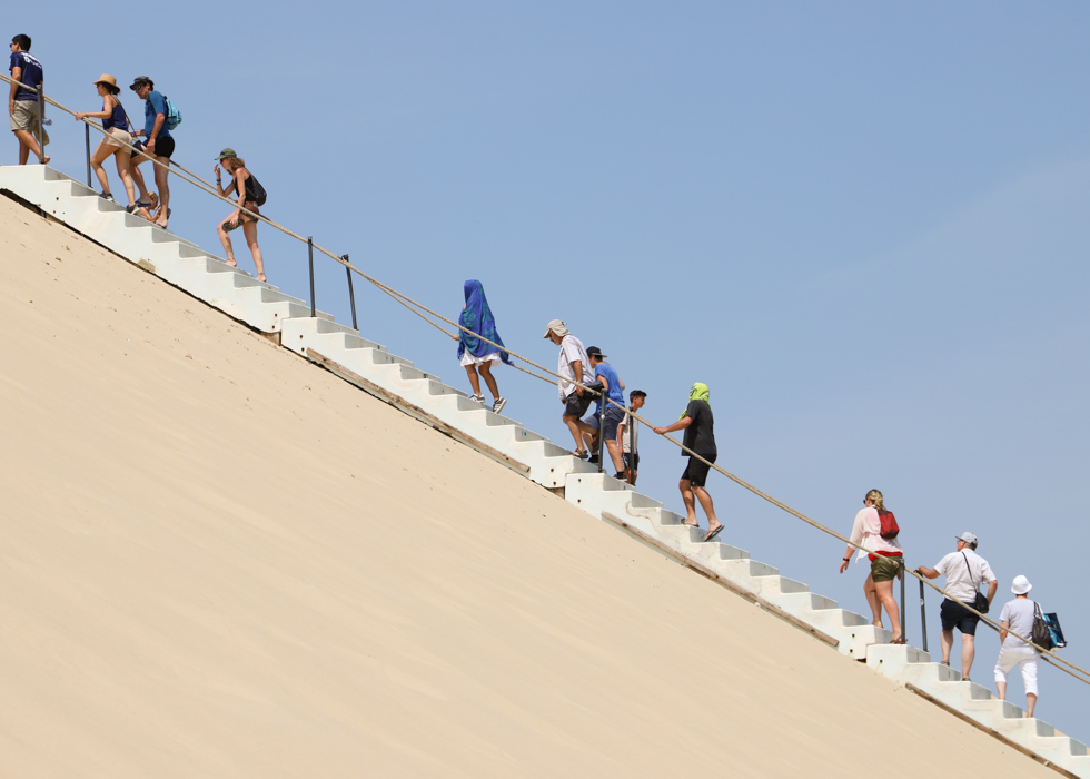 climbing Dune du Pilat