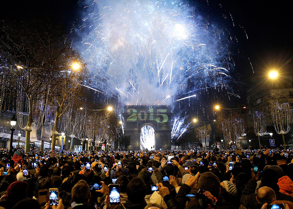 Europe Festivals: NEW YEARS COUNT-DOWN