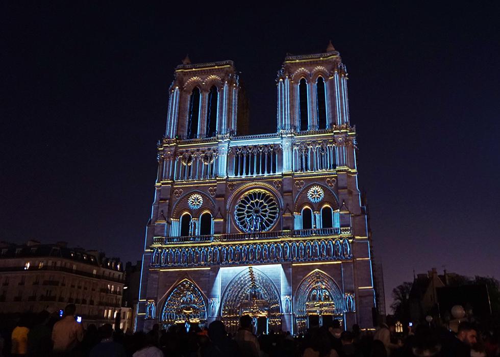 ノートルダム大聖堂 Europe Festivals: DAME DE COEUR