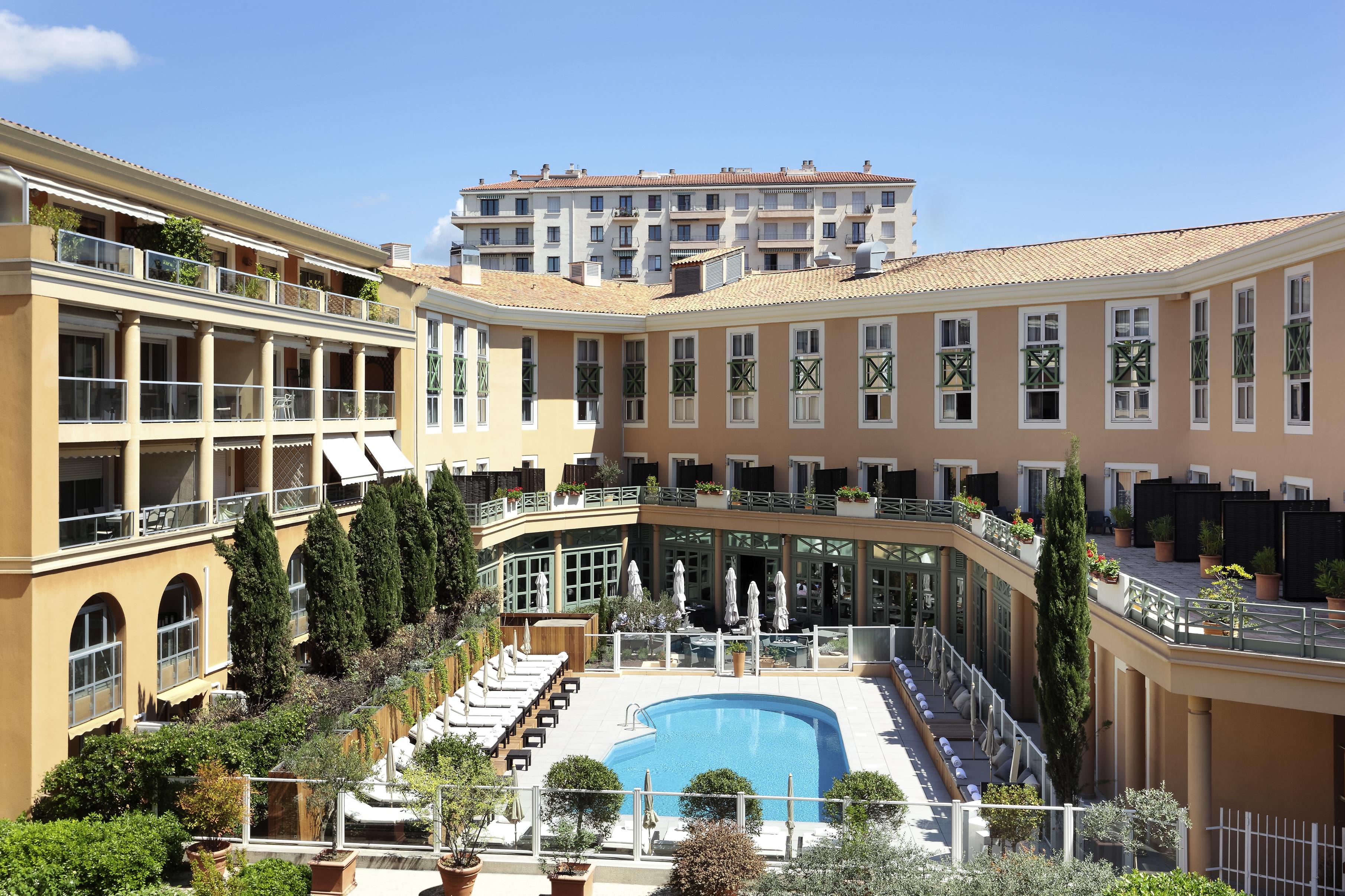 bể bơi Aix en Provence