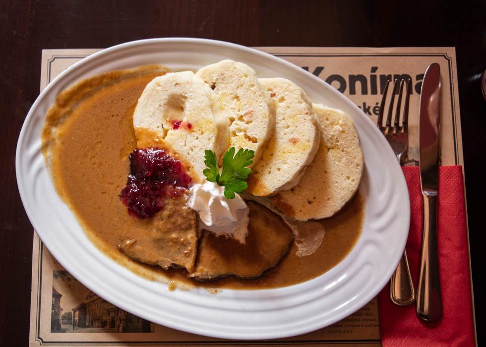 捷克传统美食 svickova: KONIRNA餐厅