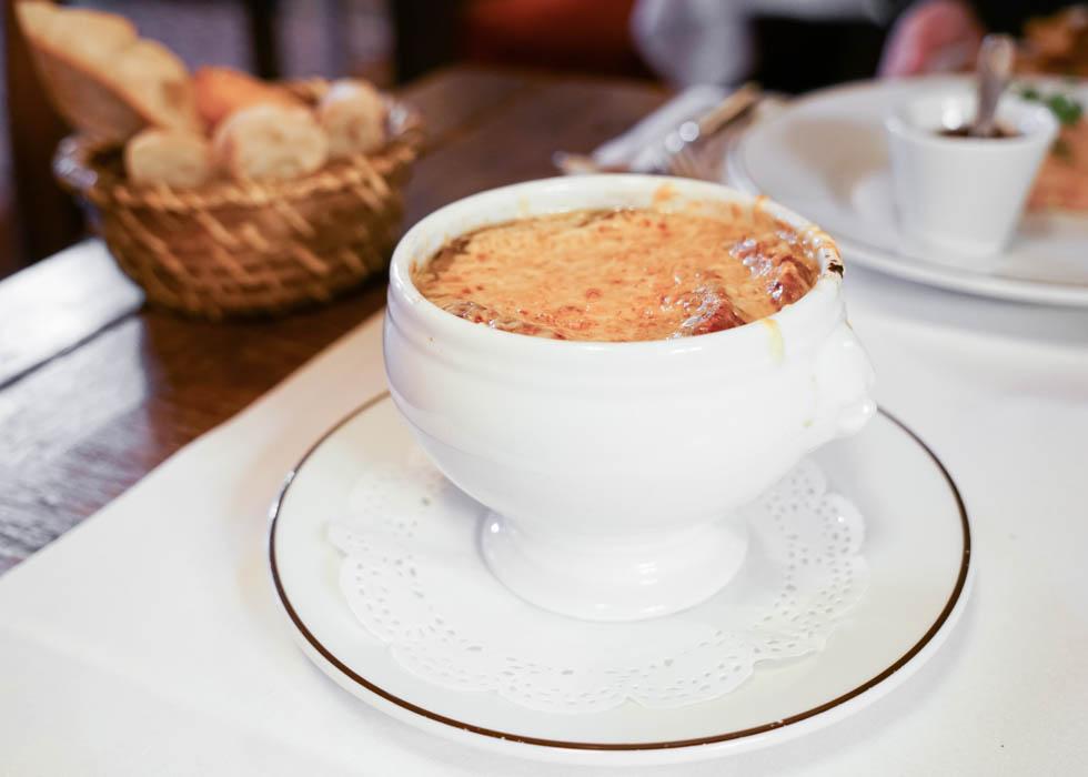 best french onion soup in paris : la gauloise
