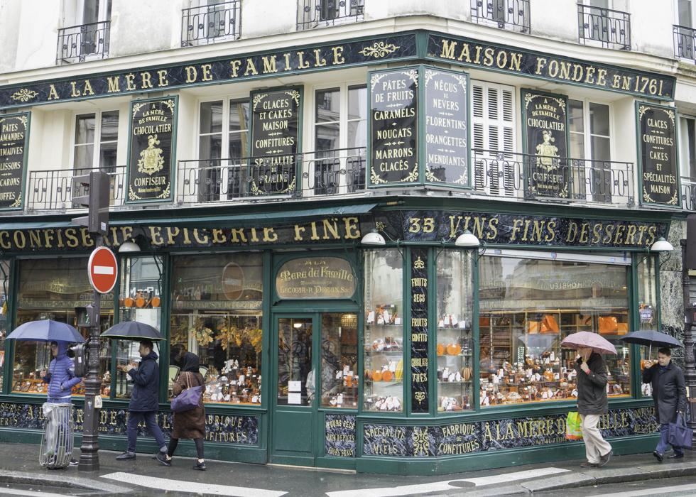 A LA MERE DE FAMILLE PARIS