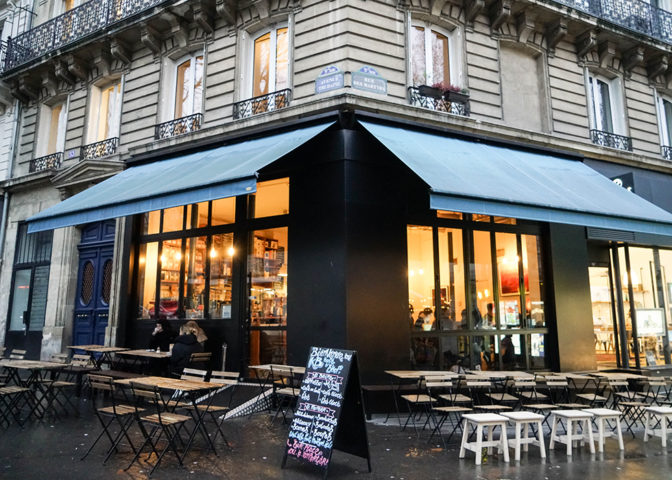 Paris cafe near montmartre : KB COFFEE SHOP