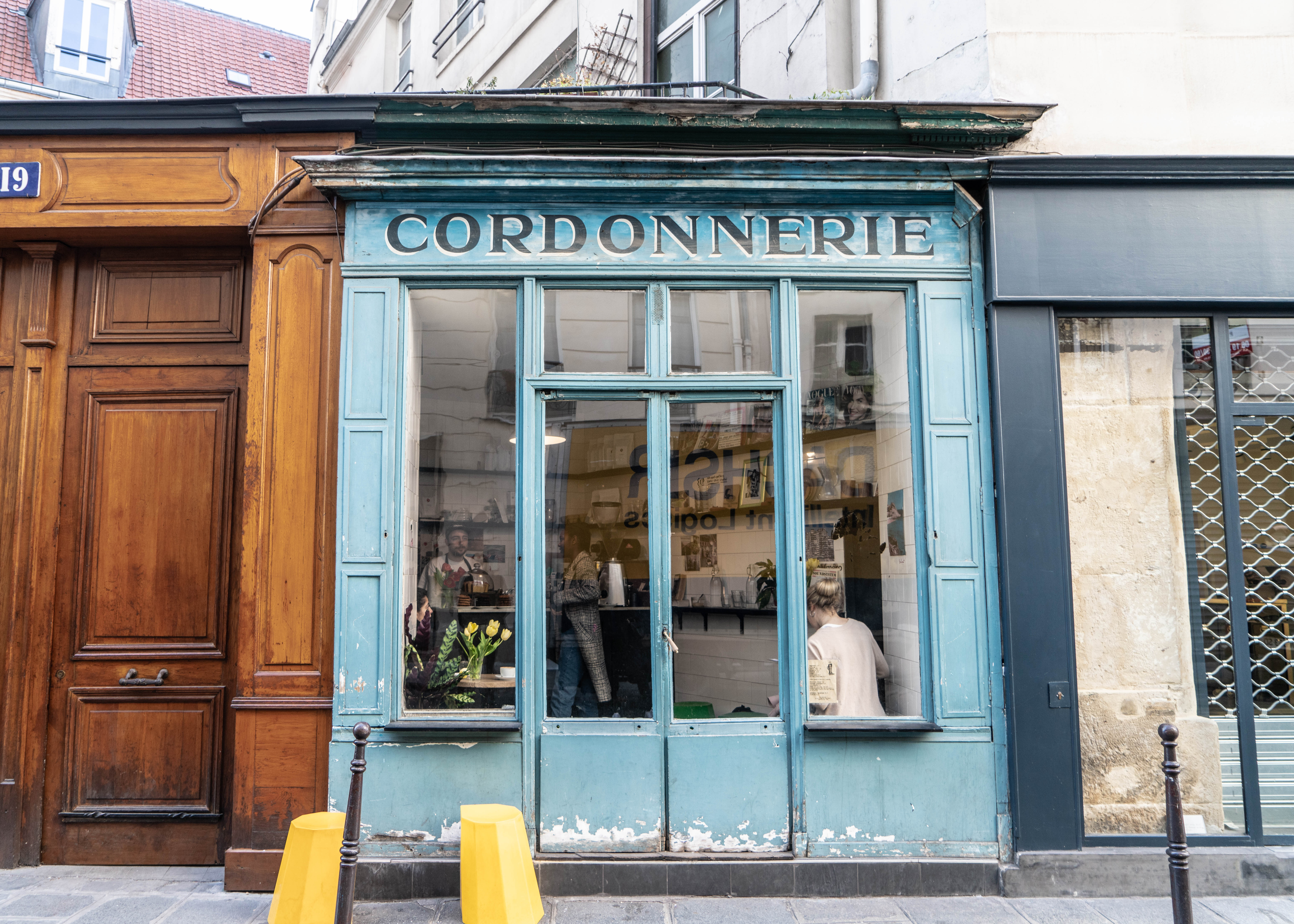 Boots Cafe Paris