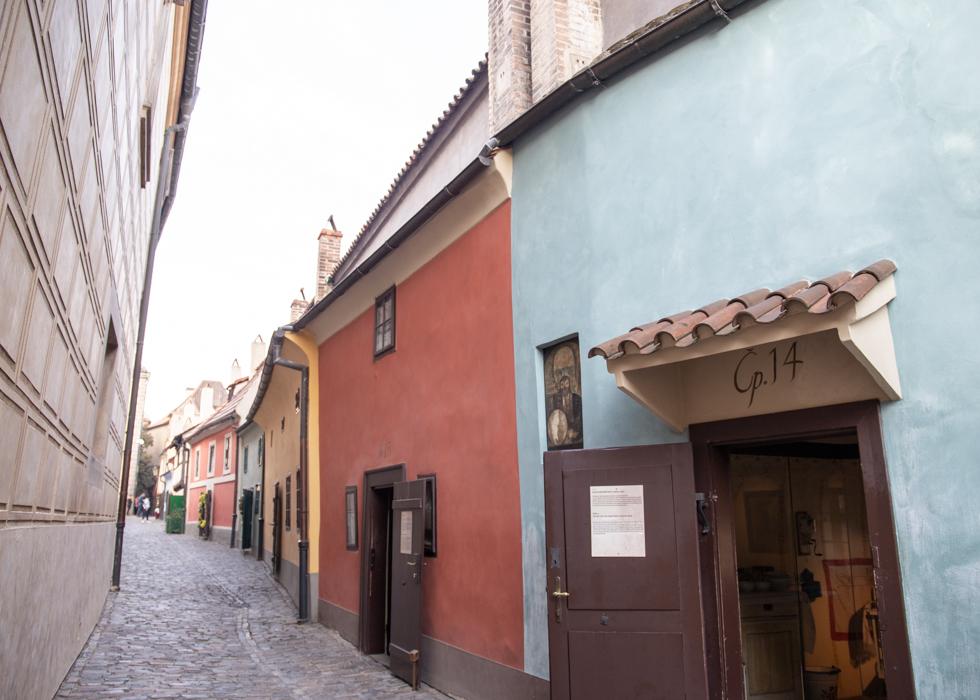 PRAGUE CASTLE : GOLDEN LANE