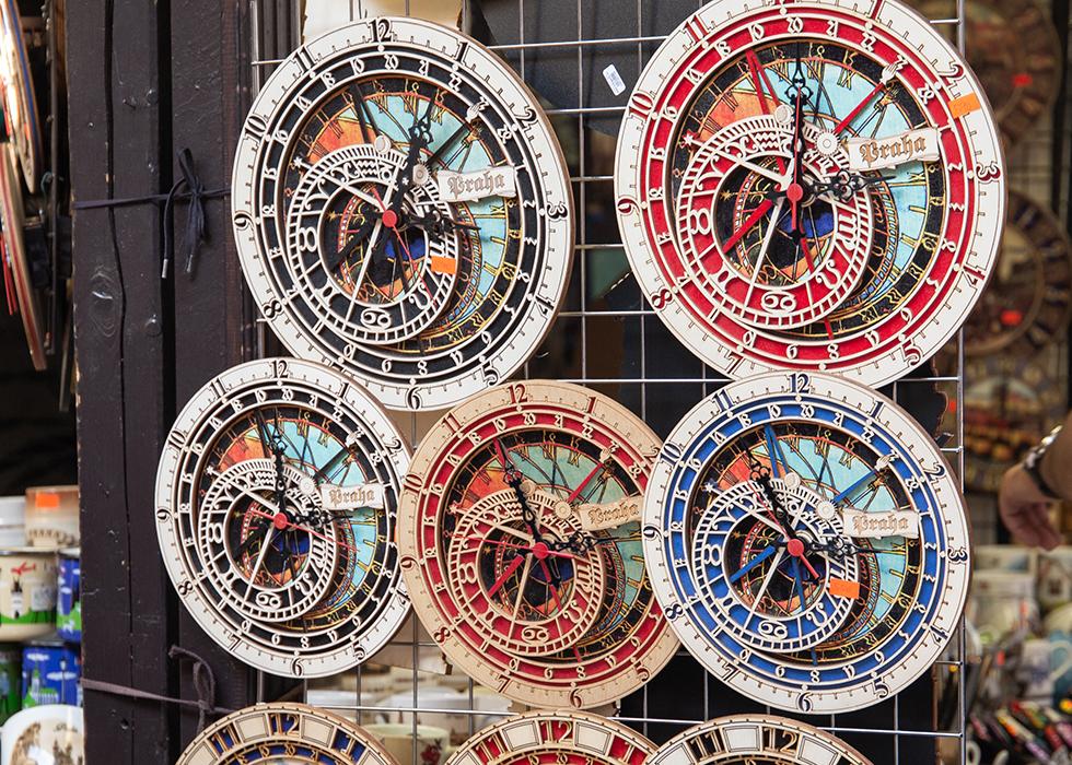 PRAGUE SOUVENIRS : ASTRONOMICAL CLOCK IN PRAGUE