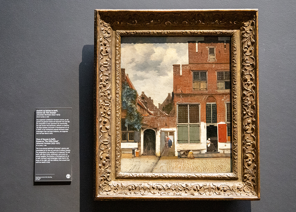 WHAT TO SEE IN RIJKSMUSEUM 6. JOHANNES VERMEER - VIEW OF HOUSES IN DELFT(THE LITTLE STREET)