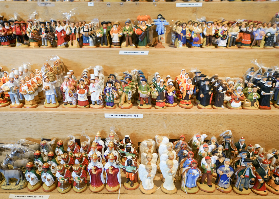 Santons Christian figures in France