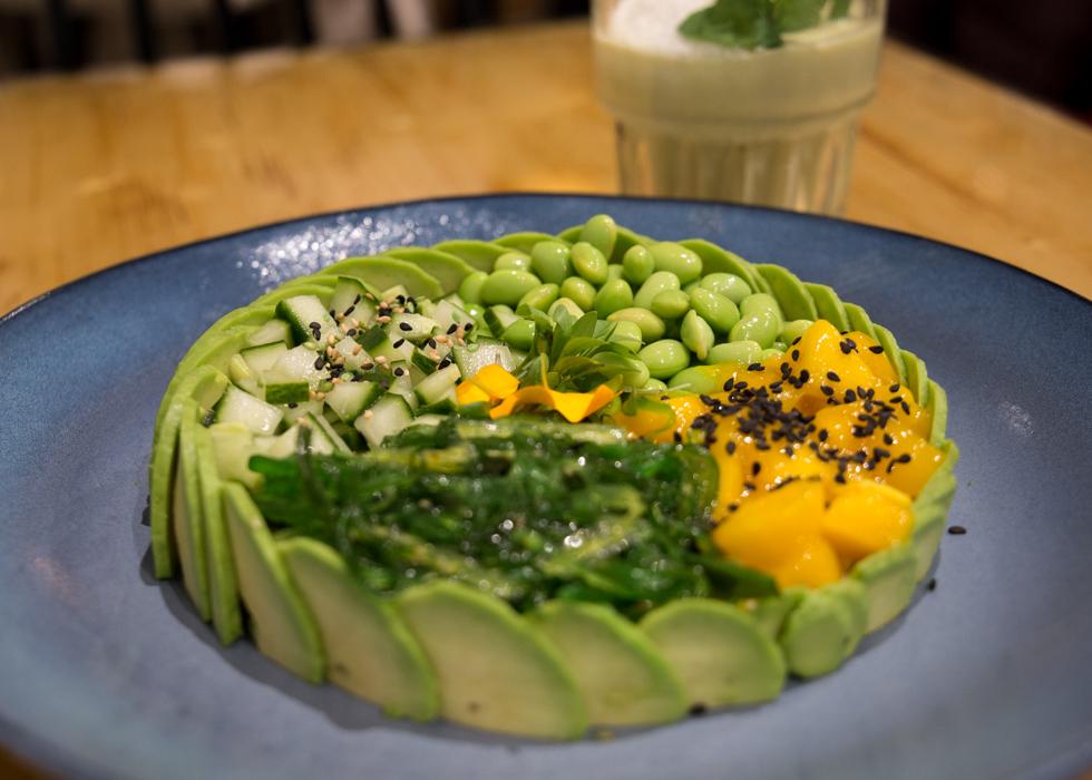 The avocado show - the salvocado / poke bowl