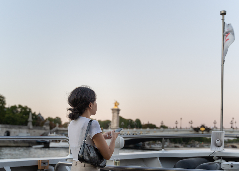 Paris romantic cruise memory