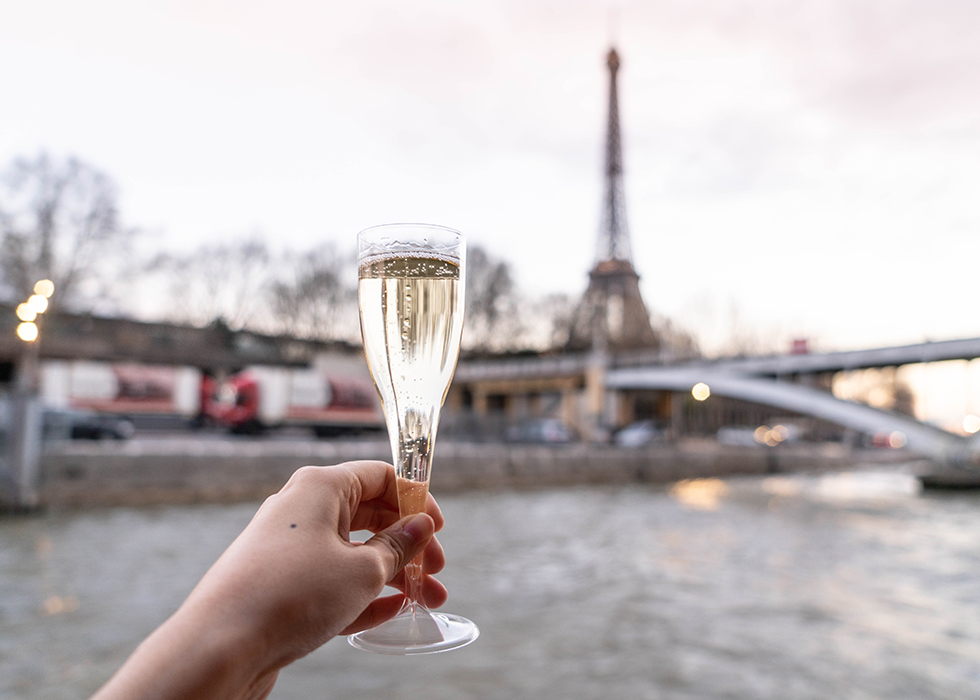 Paris traveling tip: Cruise on Seine river