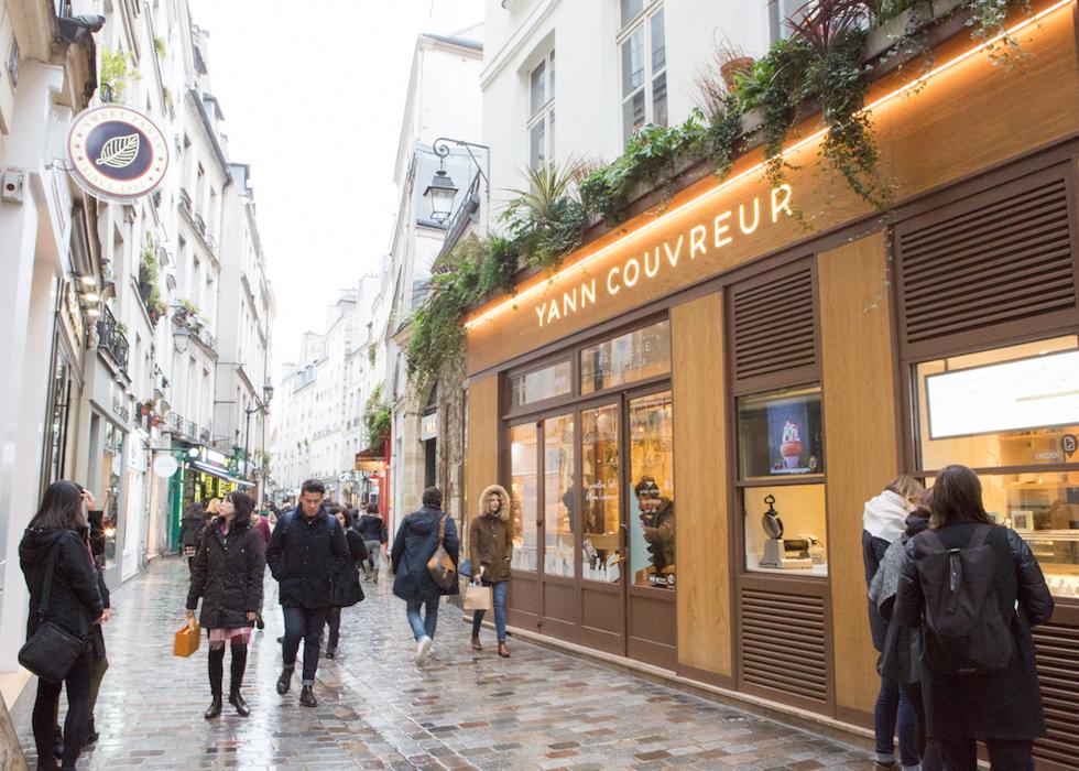yann couvreur o 39 bon paris easy to be parisian. Black Bedroom Furniture Sets. Home Design Ideas