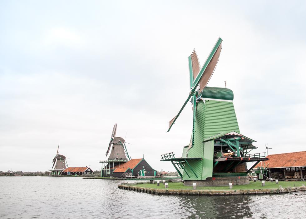Деревня ветряных мельниц в Зансе Сханс, Голландия