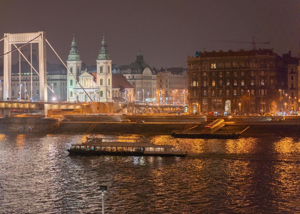 Night view Budapest : Rudas bath