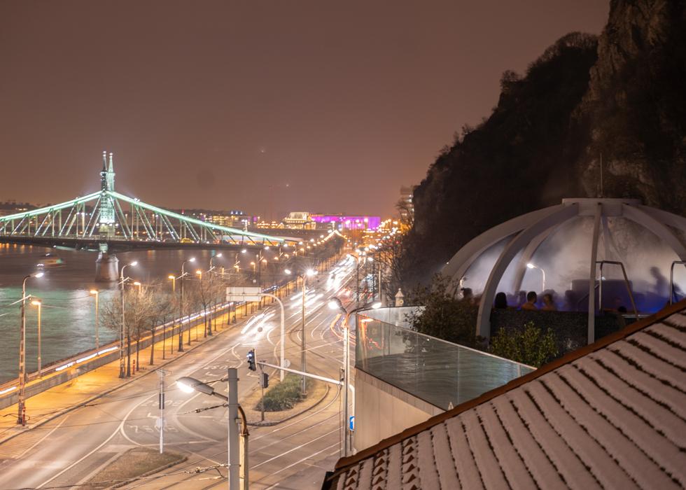 panorama pool rooftof Budapest: Rudas bath