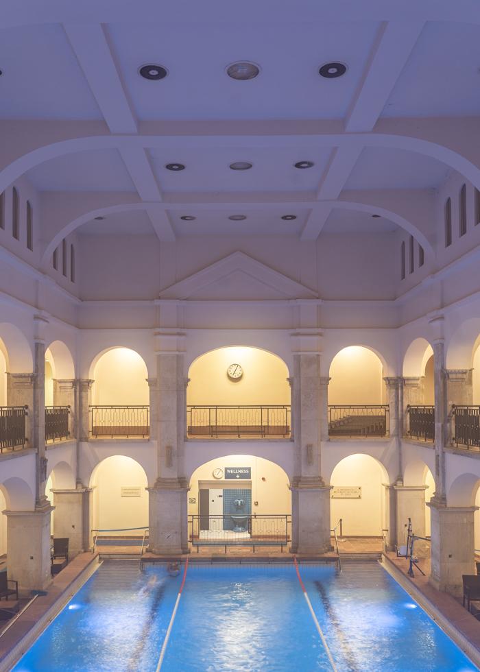 bể bơi ở Budapest : Rudas bath