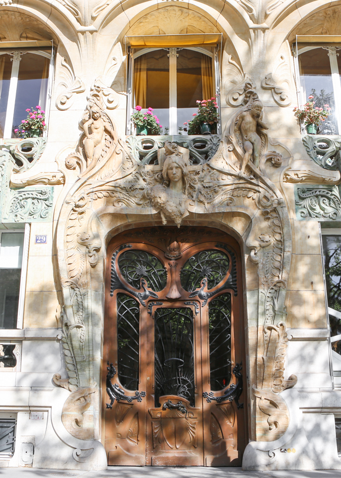 パリ 隠れ家スポット LAVIROTTE AVENUE RAPP