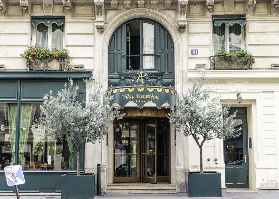 Отель четыре звезды в центре Парижа